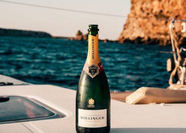 Wanderlust Adventures sea champagne